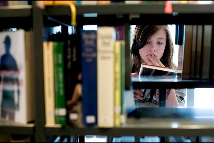 librarygirl-1.jpg