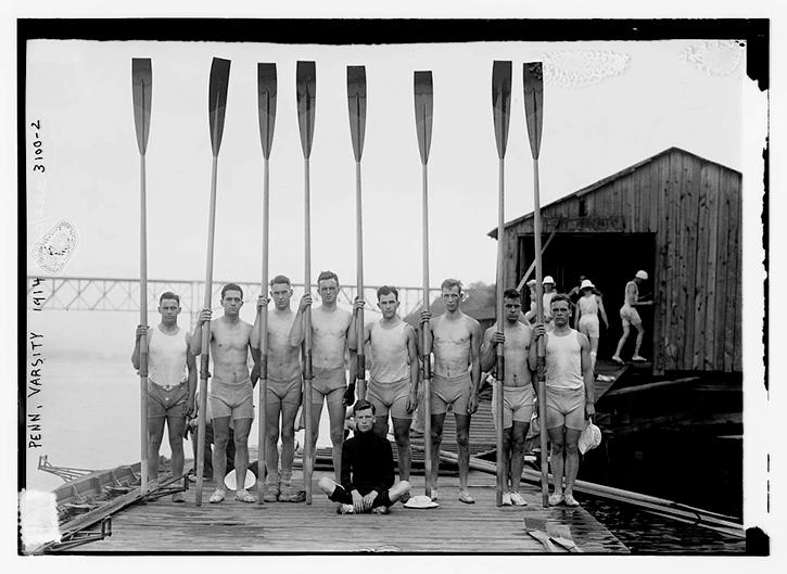 juni 1914, från glasnegativ. University of Pennsylvanias roddlag. Som jag förstår det